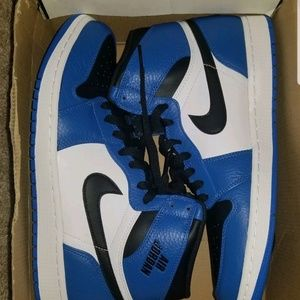 New 11.5 nike rare air Jordan shoes